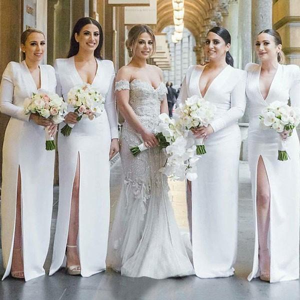 Robe fendue pour des demoiselles d'honneur modernes élégantes et confortables